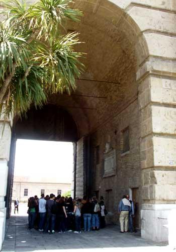 Ancona Porta Pia esterno